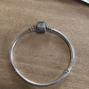 Pandora moments sparkling Pave Bracelet Size 6.7